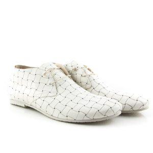 Donna Carolina Cruz Bianco shoe